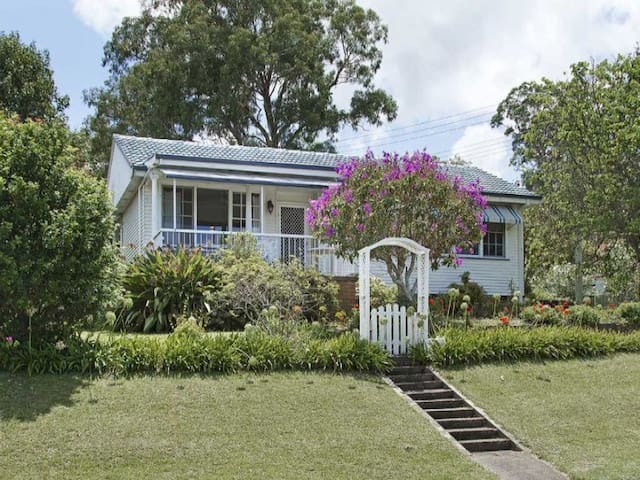 Lakeview 3 bedroom Holiday Cottage - Balmoral  - Rumah