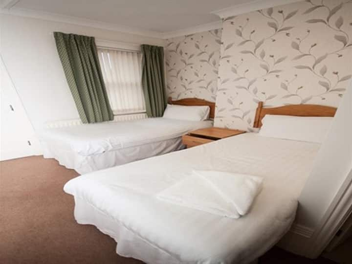 Twin room - The Fox Inn