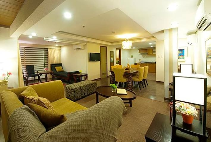 CHEAP HOTEL - One Tagaytay Place - 2BR Suite