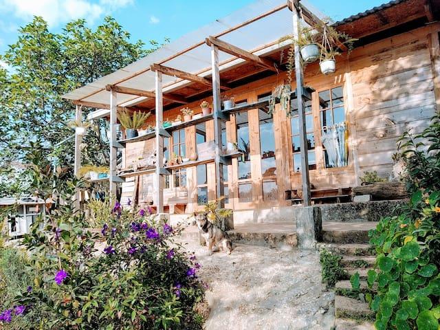 NauNau Garden - Wooden House