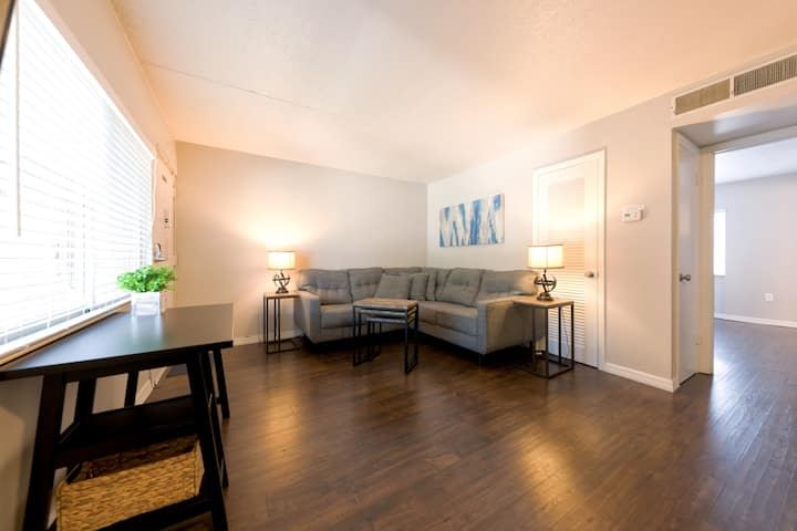 Tampa Stylish Furnished 1 bedroom