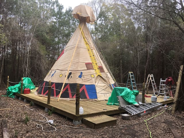 Spend the night in a real teepee - Abita Springs - Tipi