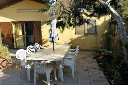 Typic mediterranean villa with garden - Magazzeno - 別荘