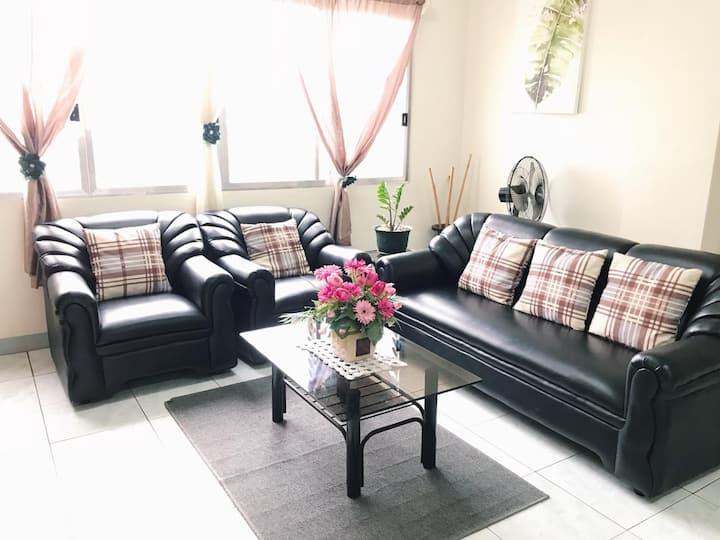 ACROSS BLVD, Big&Comfy 2BR Apartment Suite, 4-8pax