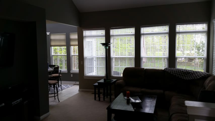 Golf Course Condo. - Highland Heights