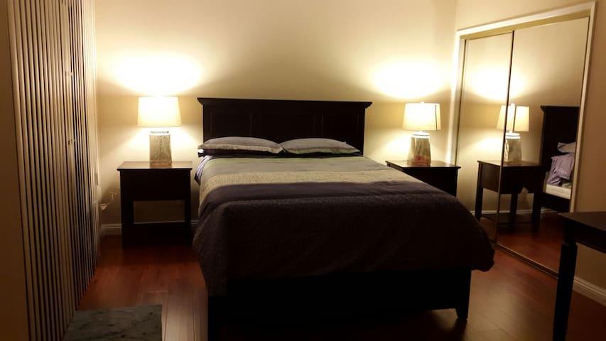 Near PCC, Master bedroom with private bath(180) - Pasadena