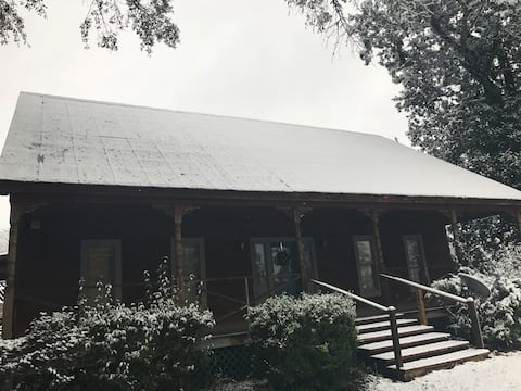 HISTORIC COUNTRY FARM HOUSE