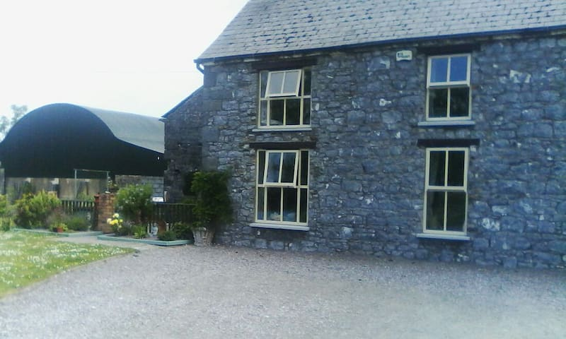 Old stone farmhouse - Listowel