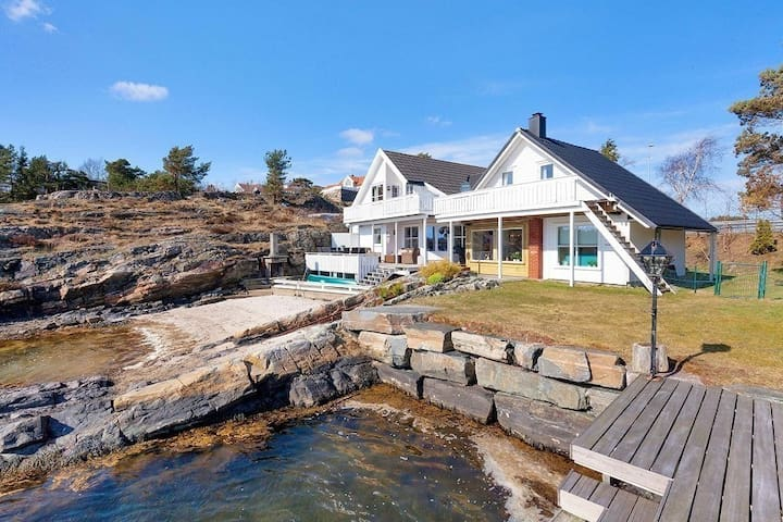 Sørlandsidyll med egen strand og brygge - Kristiansand - Huis