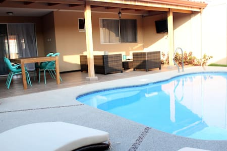 Great terrace with private pool & BBQ - Bejuco