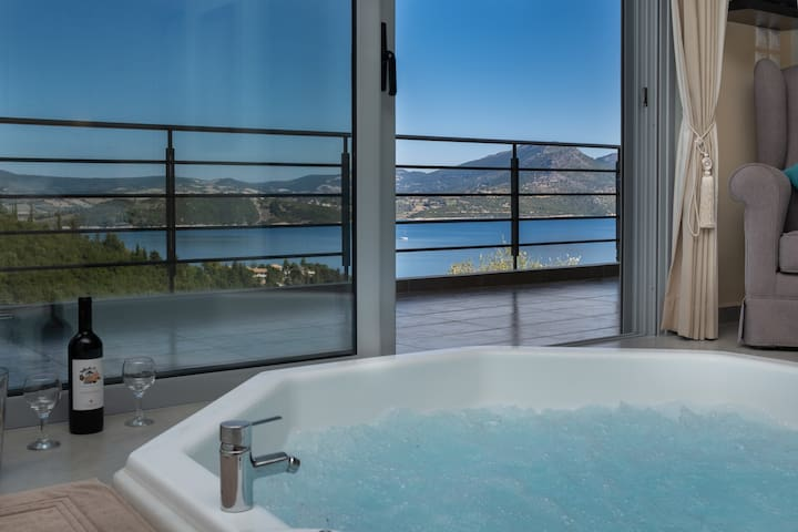 Romantic SeaView Jacuzzi Suite. Thealos Village