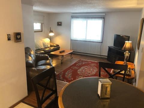 ST. CLAIR INN, spacious/clean 3 bedroom apartment