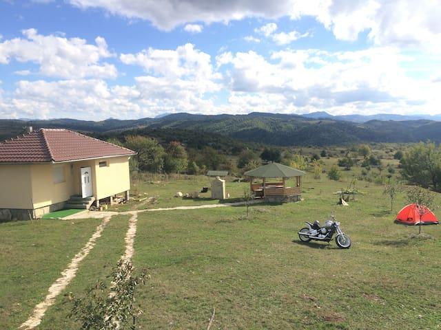 Eko Kuća -Bor Petnjica Crna Gora