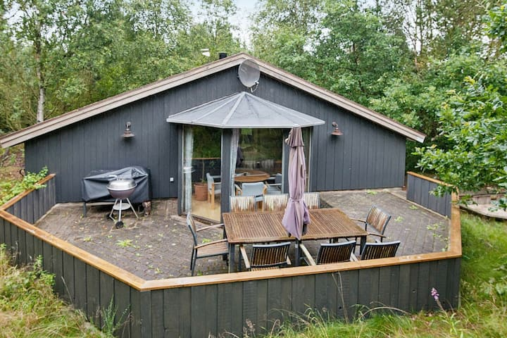 Tranquil Holiday Home in Jutland with Whirlpool