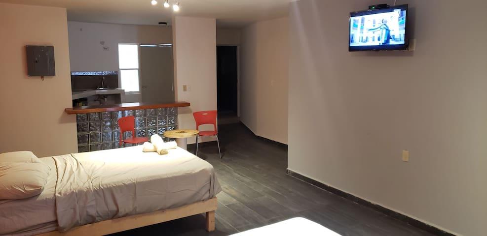 Habitación Doble Zona Centro // Downtown.