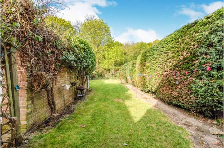 3 Bed with Beautiful Garden