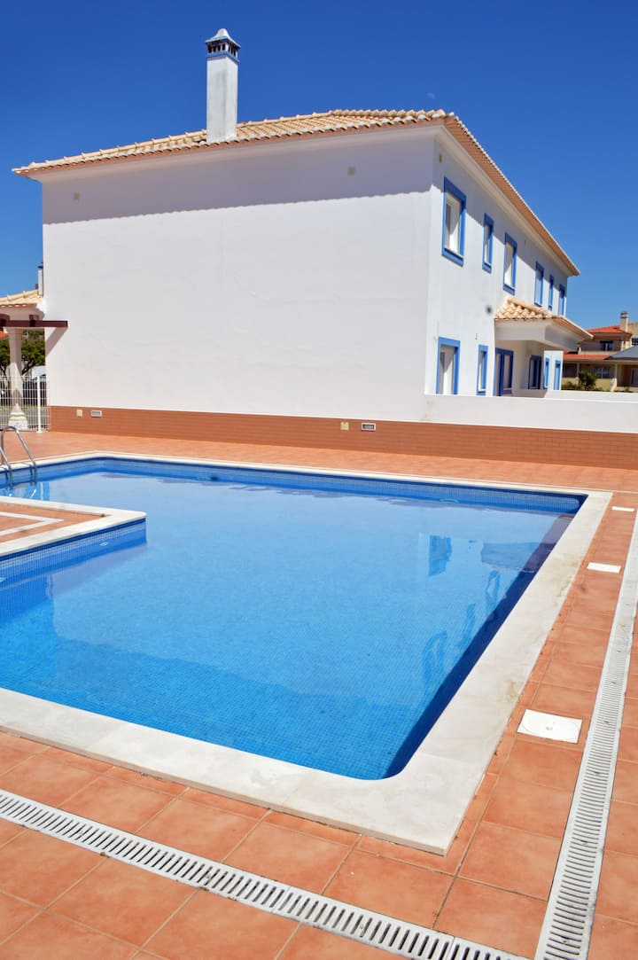 3 bed villa with shared pool