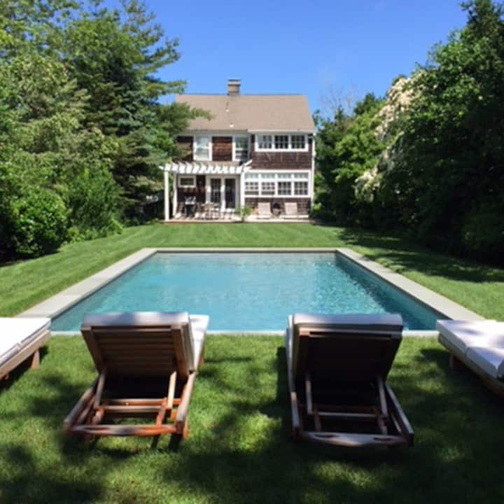 Sunny & Cozy Home w/Pool, Steps from Village & Bay