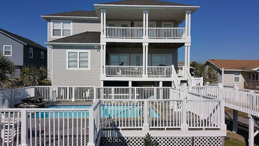 Private 8BDRM Oceanfront Retreat! - Ocean Isle Beach - Casa