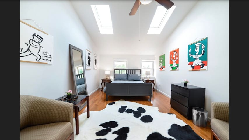 Beautiful Master Suite in Newly Renovated Home!