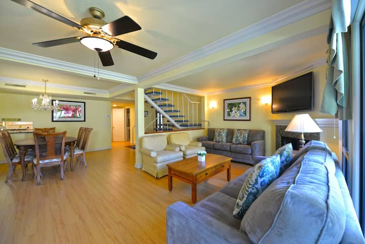 Spacious Townhome+Patio+ Private balconies+Updated kitchen - 12 Canyon Terrace