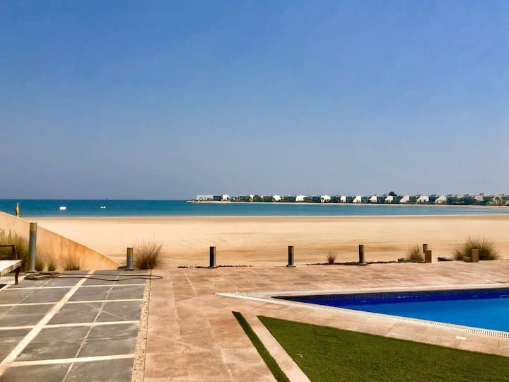 Amazing beach villa in Durra albahrain