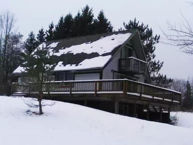 Chalet-Caberfae-Ski, Golf, Fishing, Relax!