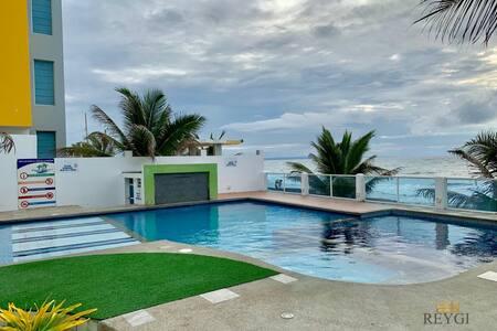 Furnished suite Oceanfront, Crucita - ReygiSuite
