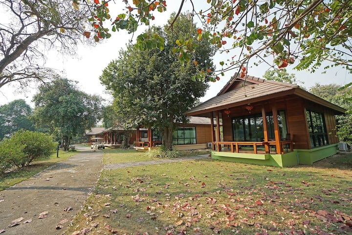 Special Discount - Secluded Riverside Bungalow D