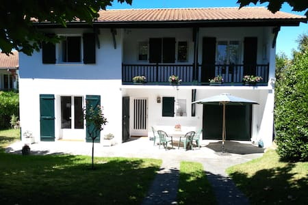 Villa familiale, lumineuse, quartier résidentiel. - Saint-Jean-de-Luz