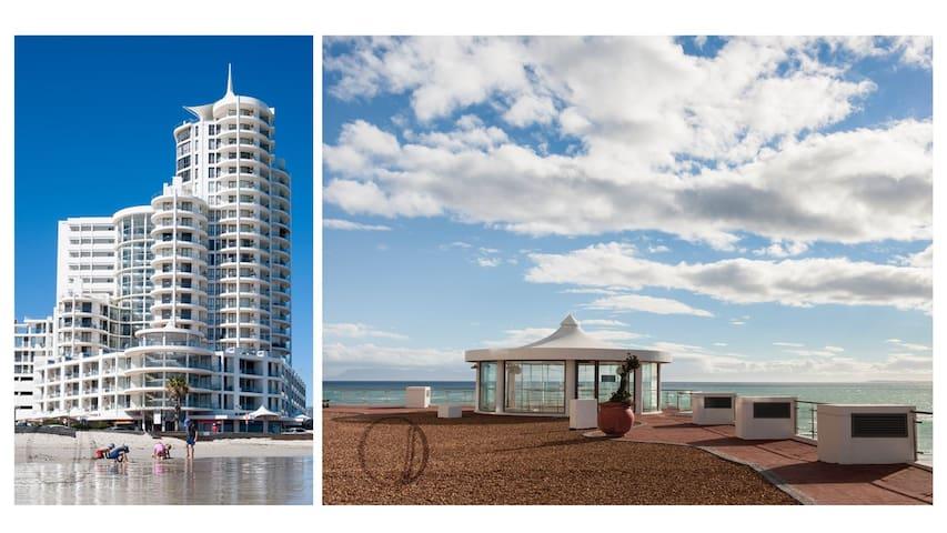 Stunning Beachfront Penthouse!