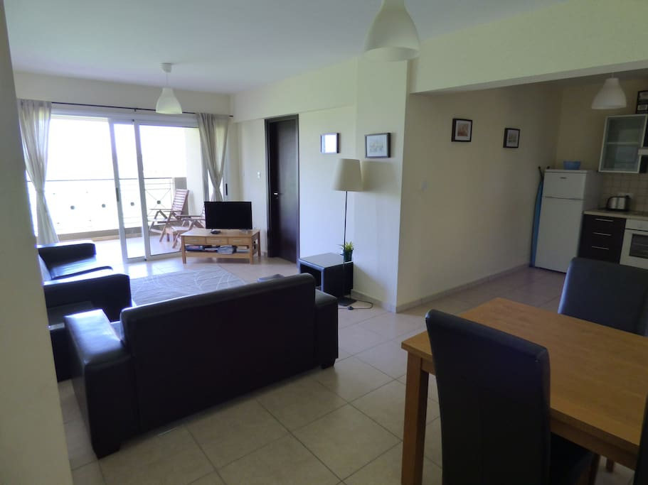 Luxury 2 bed apartment with wifi apartments for rent in for Apartment wifi plans