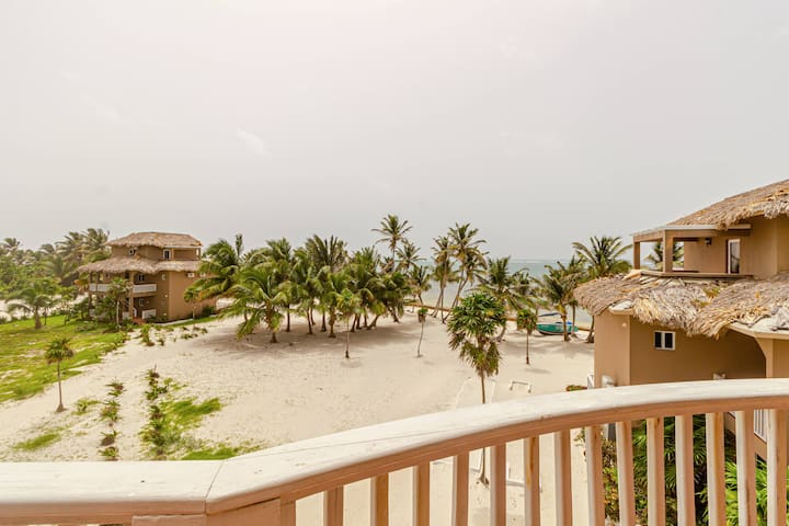 Penthouse suite with ocean views! 3 bedrooms, 3 bathrooms, and 2 stories with private balcony overlooking the Caribbean. (18D)