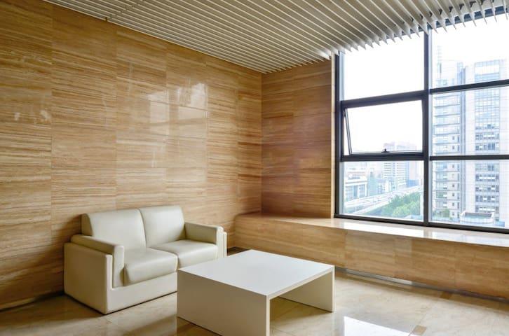"""""""919""""西湖·南宋御街·定安路地铁~轻奢浪漫loft两房"""