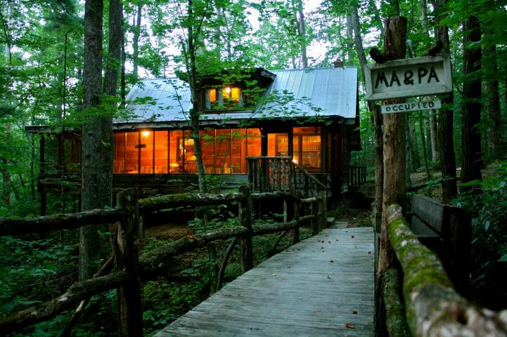 Cabin Fever - Ma & Pa's