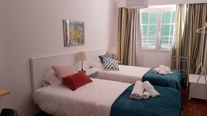Aluguer Quarto Duplo na Moradia Gorgeous House