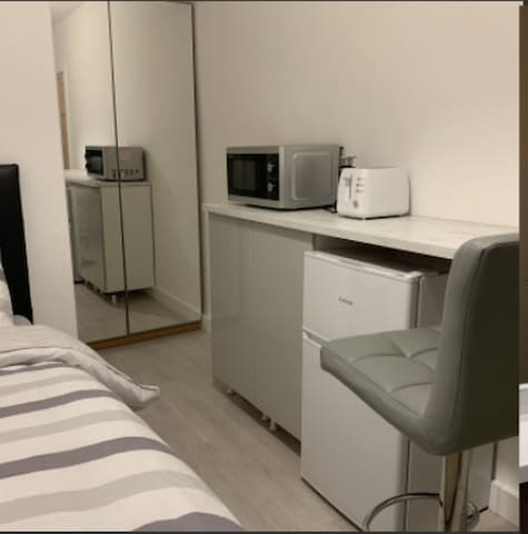 Modern Single Bed Room For Rent - North Watford