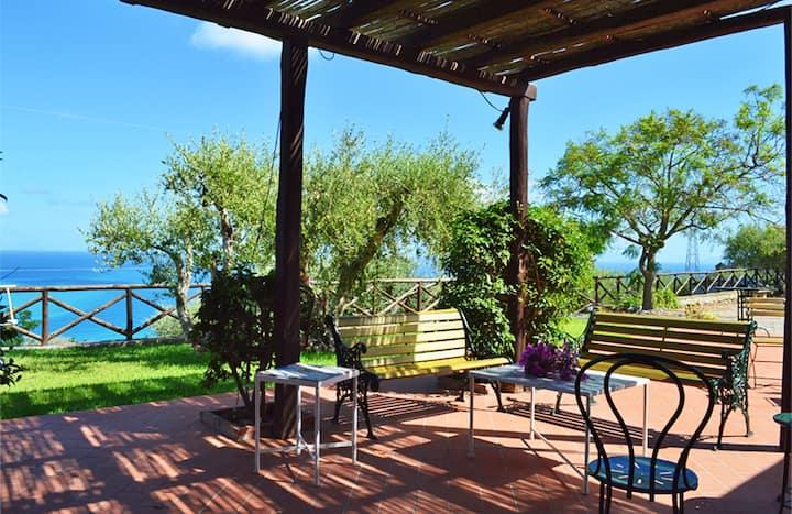 Villa Katutè, beautiful seaview villas on a hill