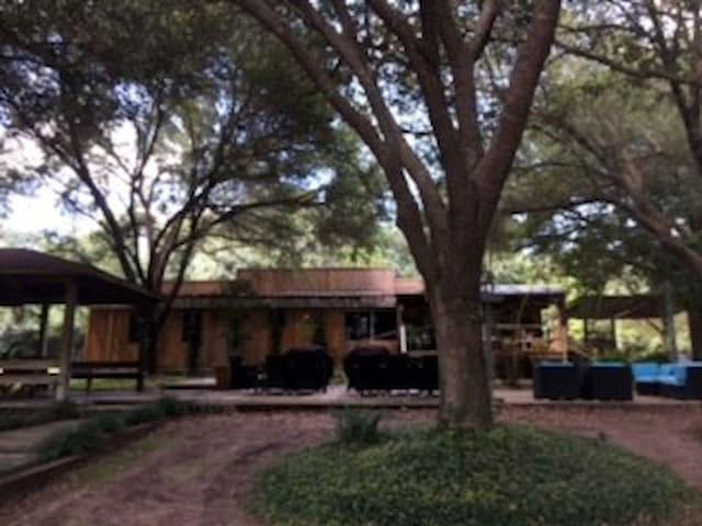 Double Bar B Guest Ranch-Bunkhouse