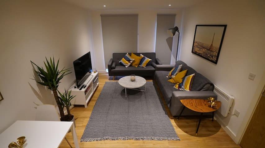 Stylish, Cool & Comfortable City Centre Apartment!