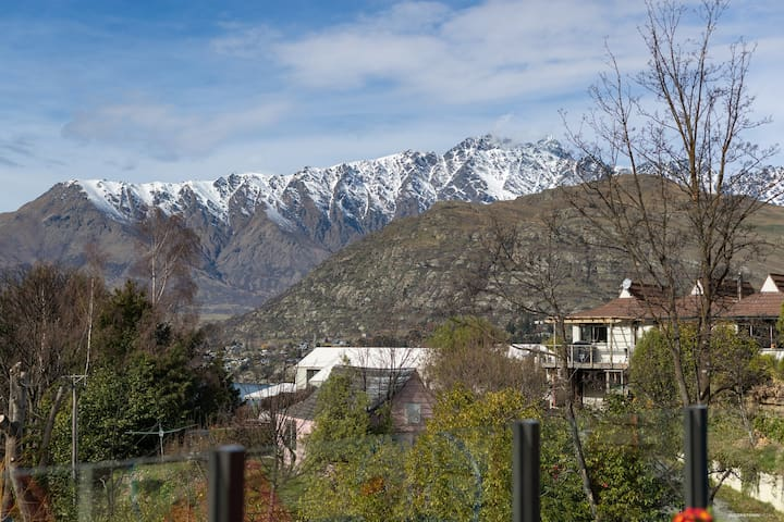 The everchanging view of the Remarkables accompanies  you at all times