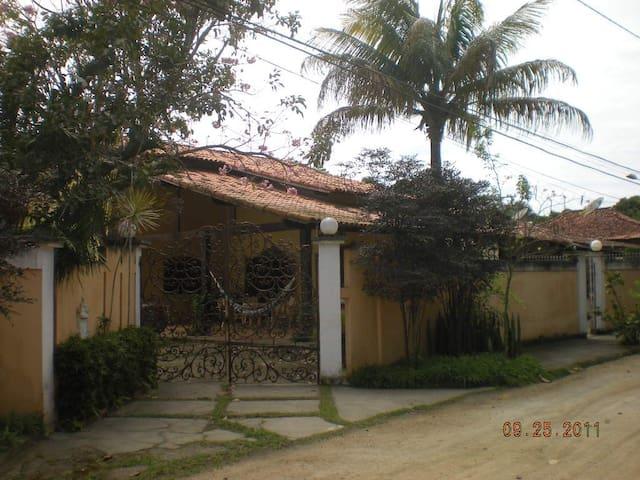 LINDA CASA NA REGIÃO DOS LAGOS - ARARUAMA, RJ. - Araruama - Apartamento