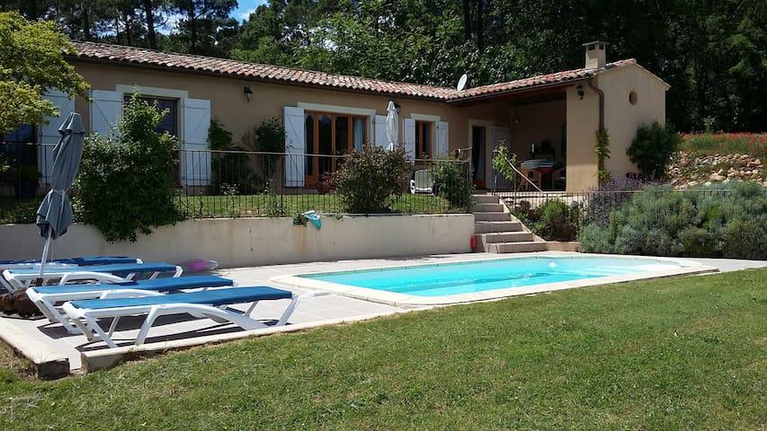 Maison de charme avec vue sur les vignes - Roussillon - Huis