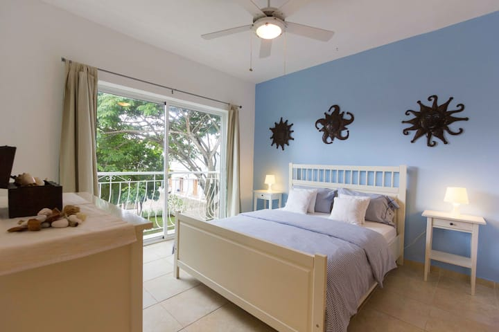 Apart.1 Bedroom WITH BEACH AND POOL