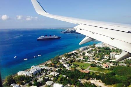 "World Famous Seven Mile Beach ""Cayman Islands"""