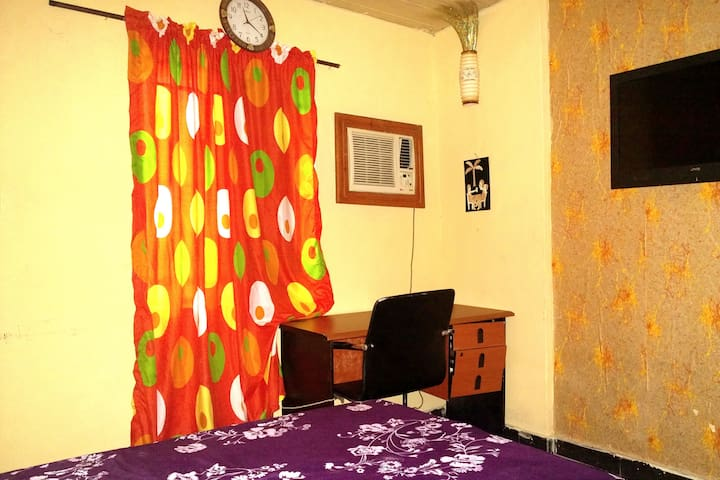Apartment with 24/7 WiFi & Electricity  in Yaba