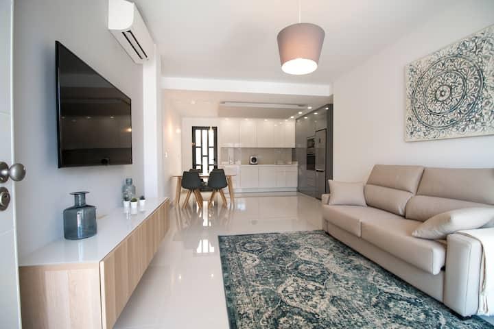Ziva ·Luxuriöses Apartment nur 80 Meter vom Strand