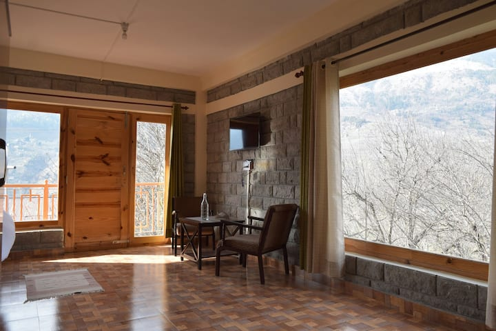 Spacious Room with Balcony in Village Near Manali