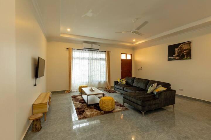 Tranquil Salome Apartment (FARU)