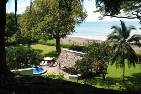 Beachfront 6bd Pool, Maid, Cook, SUV's, 7 Kayaks - Jacó